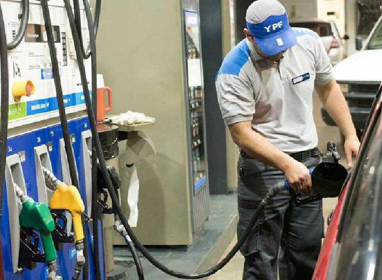 Este sábado YPF aumenta por última vez en el año la nafta: subirá 6%